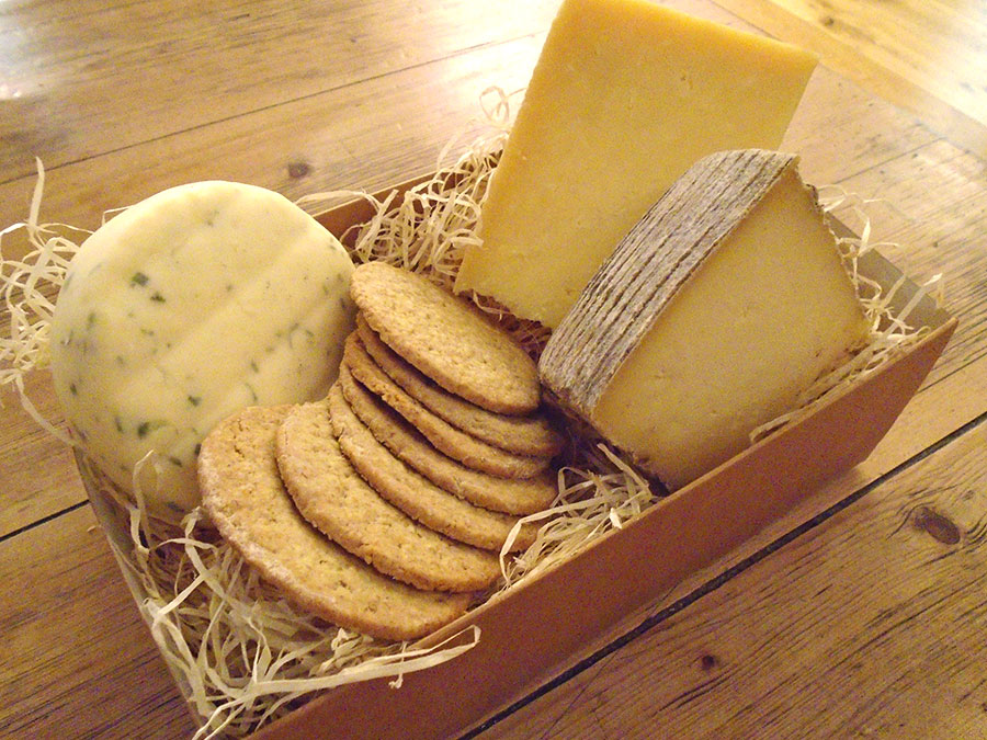 Loch Arthur Taster Cheese Box